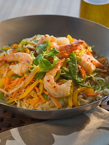 Somen Noodles with Shrimp Curry and Peas